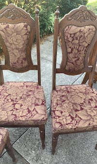 Dining table with six chairs  Toronto, M6L 2W7
