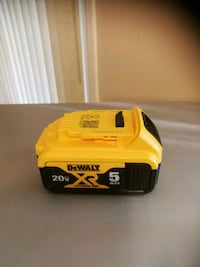 yellow and black Dewalt power tool battery Mississauga, L5N 2R8