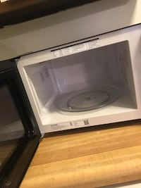 white and black microwave oven Cranberry Township, 16066