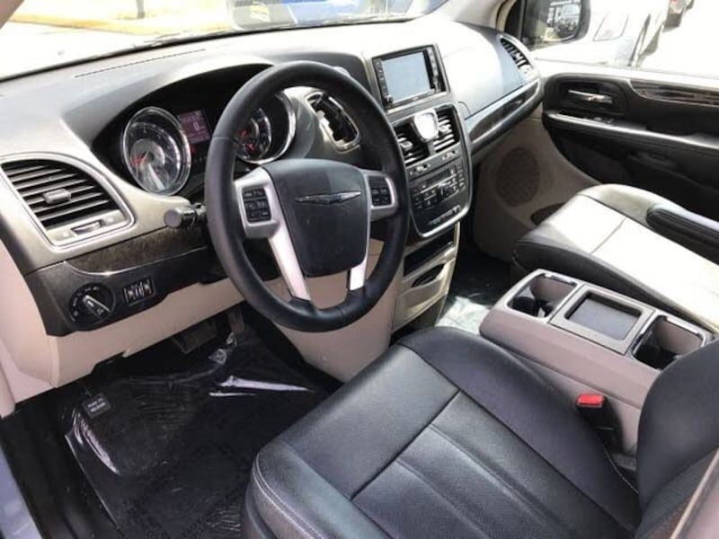 Chrysler - Town and Country - 2016 860ba16f-7151-4b95-9d50-a0d915bc666d