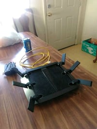 NEGOTIABLE OR TRADES!!!!Wifi router Chattanooga, 37406