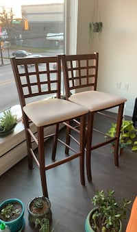 Stools chairs 2x Vancouver, V5K 2A1