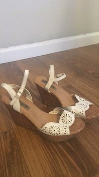 pair of brown-and-white wedge sandals Fresno, 93730