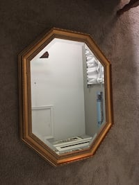 Uttermost wall mirror antique style like new Skippack, 19426