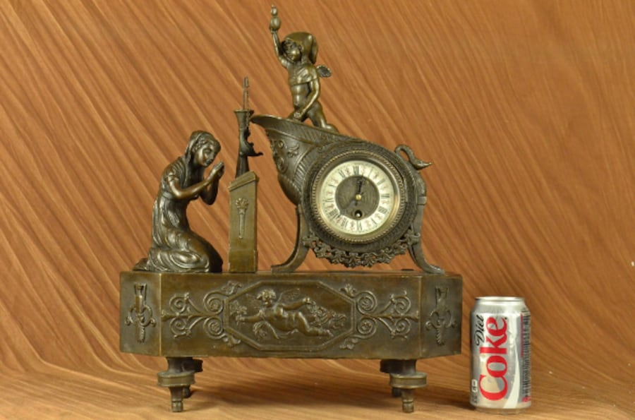 French Mantle Clock of Maiden and Cupid Bronze Sculpture 5a23b07f-dab9-4c7e-bfdc-5f53a359784d
