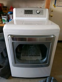 Electric dryer practically new Riverside, 92507