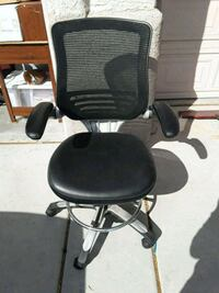black leather padded rolling chair Las Vegas, 89119