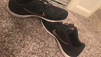 black-and-white Nike sneakers Old Hickory, 37138