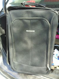 black Embark soft-case travel luggage Bakersfield, 93308