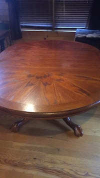 round brown wooden pedestal table Frederick, 21704