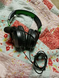 black and green corded headset Port Coquitlam, V3B