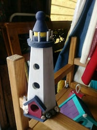 Lighthouse birdhouse  122 mi