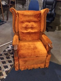brown wooden framed brown padded armchair Jefferson City, 65109