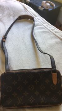 Black and brown louis vuitton monogram leather crossbody bag Halifax, B3H 3X2