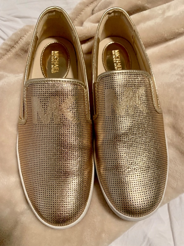 dd73f55179226 Used MK Gold Shoes  Size 8 for sale in Mesquite - letgo