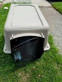 white and black pet carrier Teaneck, 07666