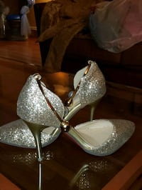 Size 7 Glitter Stilettos w/pearl and gold ankle cl Washington, 20015