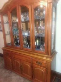 brown wooden framed glass china cabinet Tamaqua, 18252