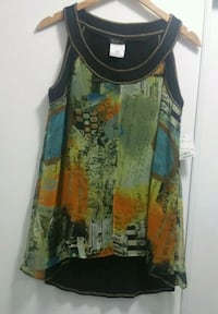 Black, yellow, and blue tank top 509 km