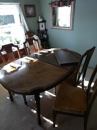 Dining room table Decatur, 62521