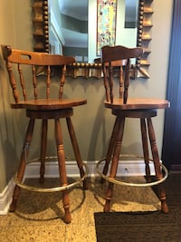 Solid Wood Bar Chairs Brampton, L6T 1W3