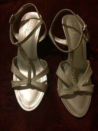 Size 6 Silver Sandals (PICK UP).