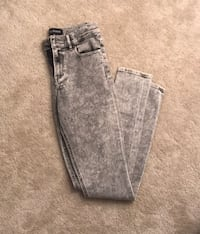 gray denim straight-cut jeans Alexandria, 22306