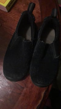 pair of black suede slip-on shoes Oxon Hill, 20745