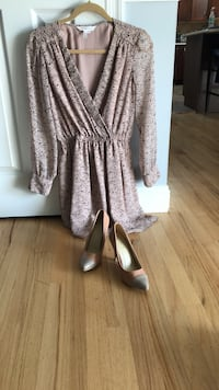 Women's gray and pale pink long-sleeved dress and pink/grey pumps Islip, 11751