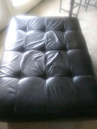 black leather tufted sectional sofa Manassas, 20109
