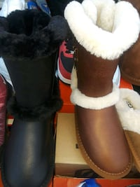 pair of black-and-white winter boots Brooklyn, 11233