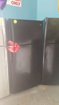 black top-mount refrigerator Lynwood, 90262