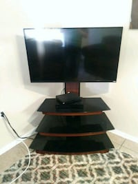 Tv with stand El Paso, 79924
