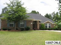 Roommate to share large ranch Charlotte