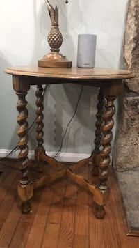 stand table Vienna, 22180