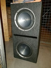 """2x 10"""" kenwood subwoofers in box  Mississauga, L5R 3K8"""