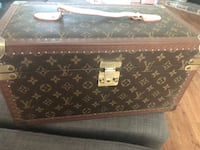 LV vintage jewelry / makeup box Las Vegas, 89117