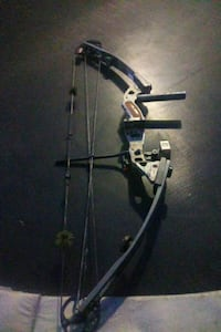 Camouflage bow and arrow great condition Houston, 77023