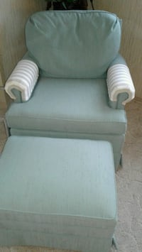green chair with ottoman Tampa, 33615
