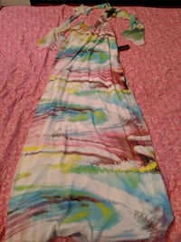 Woman's size small long dress - brand new  Surrey, V3T 1T3