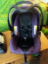 Purple carseat with base, baby trend brand Red Lion, 17356