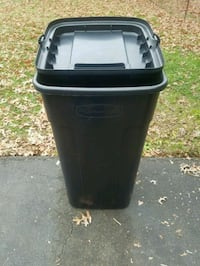 50 Gallon Trash Can W/ Wheels  Fairfax, 22033