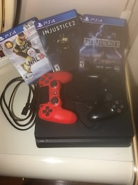 Black Sony PlayStation 4, like new. Middletown, 07748