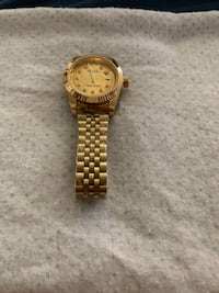 round gold analog watch with gold link bracelet Las Vegas, 89144