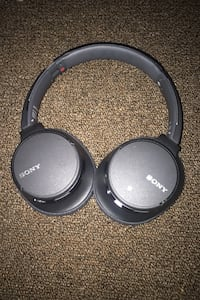 Sony Bluetooth, noise canceling headphones  Rootstown, 44272