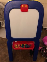 Easel 3 in 1 great condition with letter and numbers Youngtown, 85363