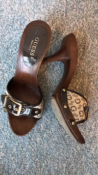Guess sandals  3152 km