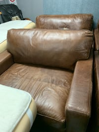 Leather couch and over sized end chairs Saint George, 84790