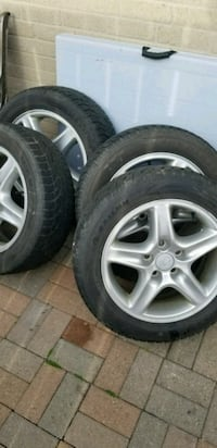 gray 5-spoke car wheel with tire set Toronto, M5S 3H7