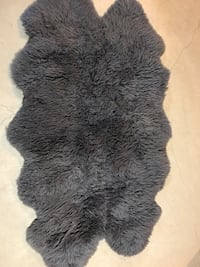 black and gray fur textile 647 km
